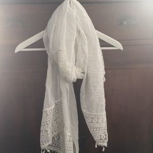 White cotton embroidered scarf